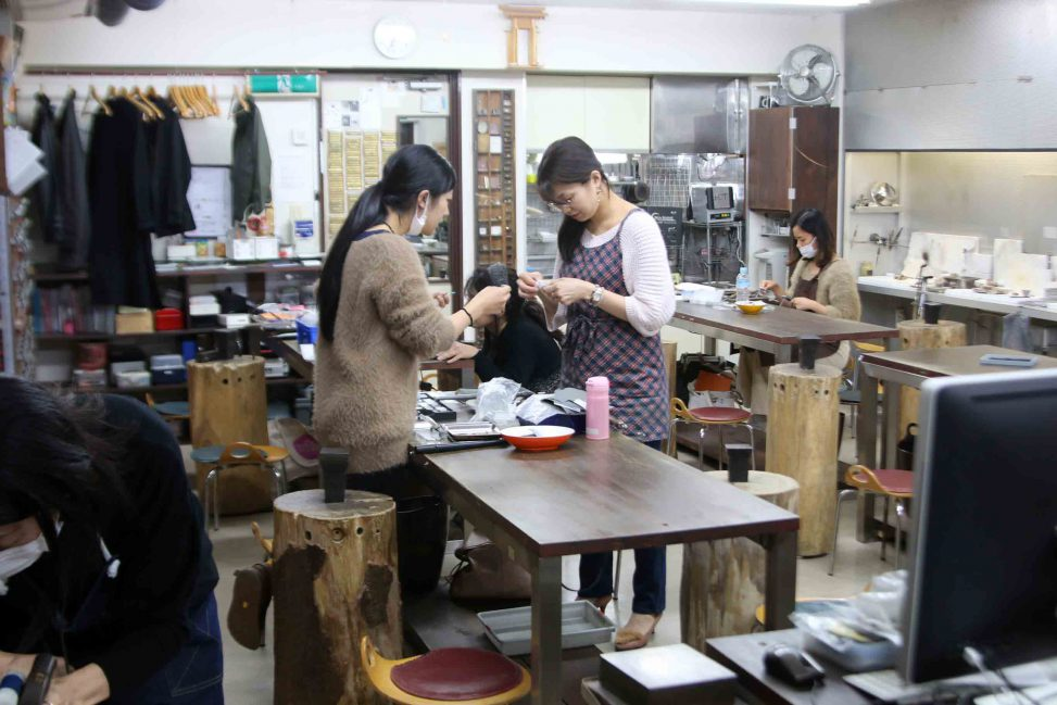 彫金教室風景 渋谷